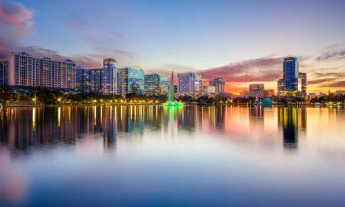 Orlando,,Florida,,Usa,Downtown,City,Skyline,On,Eola,Lake.